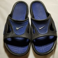 Men's Nike slipper size medium L11 black/blue