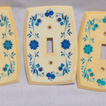 Vintage 4 Plastic Blue Floral Light Switch Plates Covers and 1 Outlet Cover Plate American Tack and Hardware Company 1970s Retro
