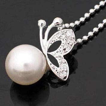 Diamonds Butterfly Beads White Pearl Alloy Pendant Necklace