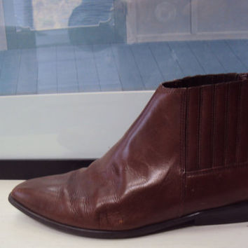 Brown Leather Ankle Boots 70s  Size 9 Size 8 Grunge Modern Chelsea Boots Nine West