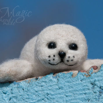 Felted seal pup, felt seal, needle felted animal, marine creature, small felted toy, wool toy, gift