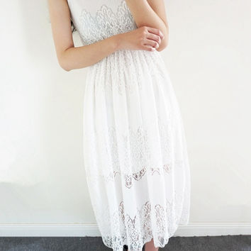 White Sleeveless Lace Maxi Dress