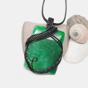OOAK wire wrapped Agate necklace, green spiderweb agate wire weave pendant, black copper wire wrap, unique necklace for women