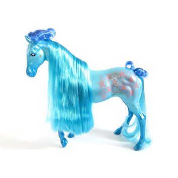 Jasmine Fashion Star Fillies Feelin' Fancy Toy Horse with Blue Hair, Pink Lace Design