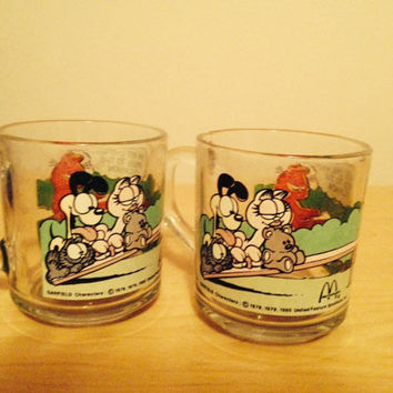 2 Vintage 1980 McDonald's Garfield Glass Mugs