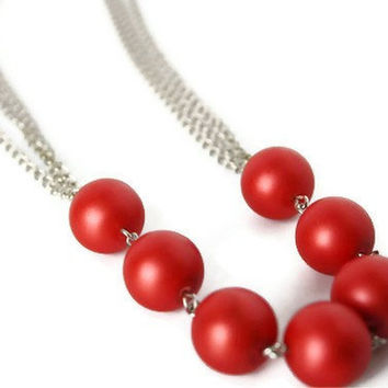 Red Necklace. Simple Beaded Necklace, Perfect Christmas Party Fashion.