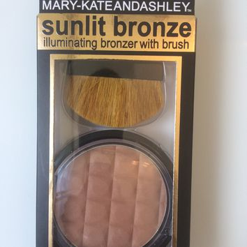 Mary-Kate & Ashley Sunlit Bronze