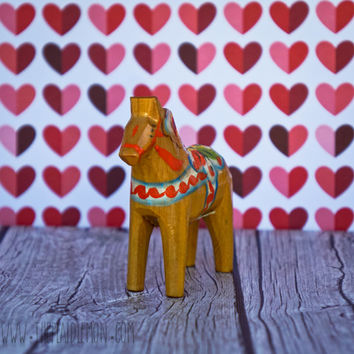 Vintage Dala Horse Nils Olsson Grannas Natural Wooden Swedish Folk Art Sweden Wood Grain Home Decor Rustic Hand Painted Carved Mid-century