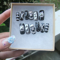 Black & Silver Studded Nails full false/fake 3D nail with pyramid stud skulls chainspunk, goth, gothic lolita, biker girl, visual kei