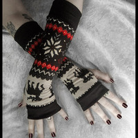 Mountain Lodge Arm Warmers Fair Isle Red Black by ZenAndCoffee