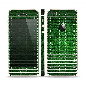 The Green Turf Football Field Skin Set for the Apple iPhone 5s