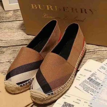Burberry New fashion plaid canvas single shoe Khaki