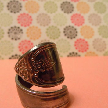 Spoon Ring covered with flowers and shine by MissMacie