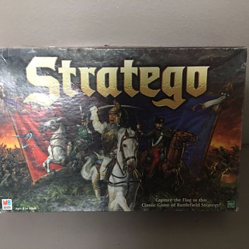 Stratego Board Game Age 8+ Milton Bradley FREE SHIPPING