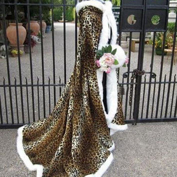 New Leopard Print Floor Length Faux Fur Trim Winter Christmas Bridal Cape Stunning Wedding Cloaks Hooded Long Party Wraps Jacket