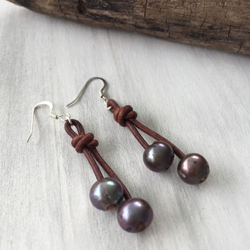 Leather freshwater pearl earrings, peacock,pearls on leather, leather and pearls,freshwater pearls, pearls, pearl on leather, pearls