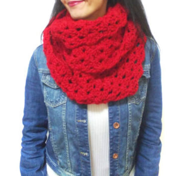 Personalized Scarf, Red Chunky scarf, Christmas Eternity Scarf, Crochet Scarf, Neck warmer, Wrap cowl, Loop scarf