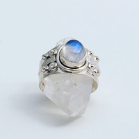 Moonstone Ring / Rainbow Moonstone Ring / Moonstone Jewelry / Silver Ring / Gemstone Ring