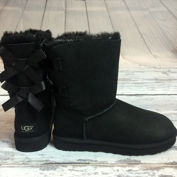 UGG BAILEY BOW SHORT BOOTS IN BLACK