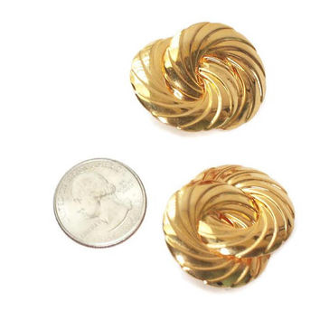 Vintage Bold Dimensional Swirl Earrings Gold Tone Metal Interlocking Circles Clip On Earrings