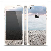 The Paradise Dock Skin Set for the Apple iPhone 5s