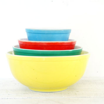 Pyrex Primary Nesting Bowls - Yellow Green Red Blue