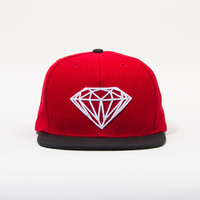 Brilliant Snapback Hat in Red/Black