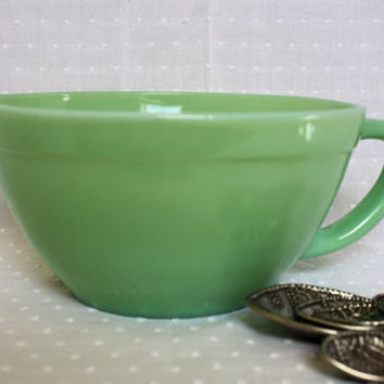 Vintage Fire King Jadeite Batter Bowl, Green Mixing Bowl With Handle, Mid Century Modern Jadite Bowl