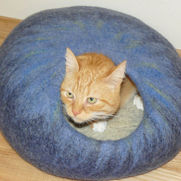 Felted Cat Cave/Pet Cave / Cat House/ Cat Den/ Cocoon/ Blue and GIFT