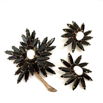 Weiss Floral Demi, Brooch & Earring Set, Opaque Black and White Crystals, Black Navettes and White Milk Glass Ovals, Designer Signed