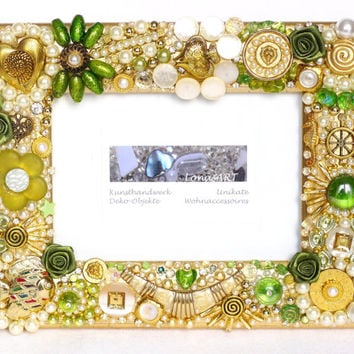 Christmas, Glam Christmas Picture Frame, Holiday Decor, emerald, gold, pearl with jewelry, brooches, buttons, Gifts for her