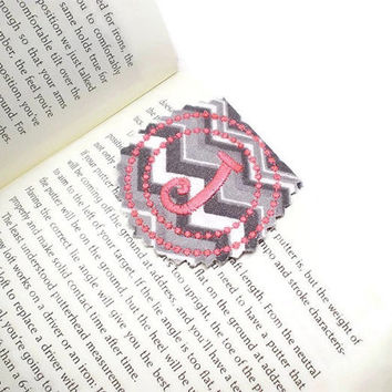 3 personalized bookmarks, magnetic bookmark, unique bookmark, monogrammed bookmark, bookmark gift, book lovers' gift idea, chevrons bookmark