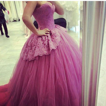 2016 Fashion Burgundy Sweetheart Appliques Sleeveless Peplum Puffy Prom Dresses