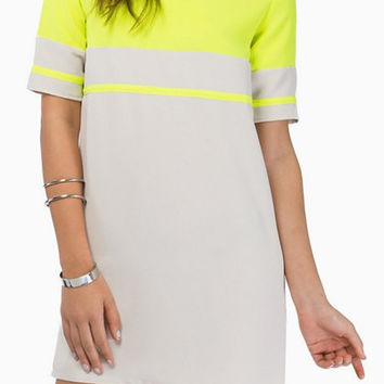 Yellow V-Neck Short Sleeve Summer Dress