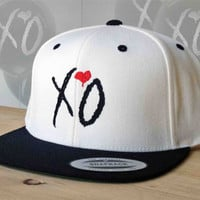 XO the Weeknd Snap Back Hat.  Choose your colour and customize your embroidery colours. XO snap back hat