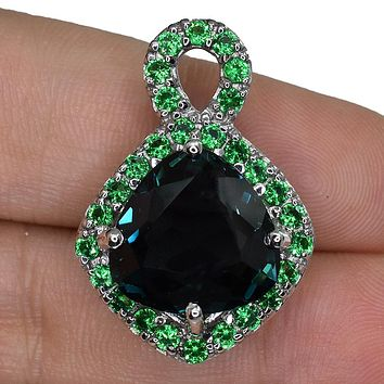 SALE   A Stunning Vintage 10.12TCW Trillion Cut London Topaz Pendant Necklace