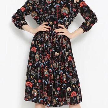 Black Floral Print Pleated 3/4 Sleeve Round Neck Vintage Midi Dress