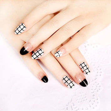 Cute white black grid 24pcs false nails kit with glue french false nails short Cute Japanese fake nails acrylic Bride short size full design nail tips fashion false nails set Nail art tool hand makeup (Color: Multicolor)