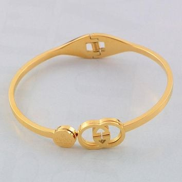 GUCCI 2018 new women's tide brand fashion hollow bracelet F--HLYS-SP gold