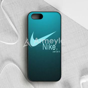 Nike Vs Adidas Galaxy iPhone 5|5S|SE Case | armeyla.com