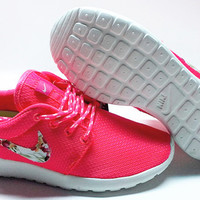 n071 - Nike Roshe Run (Floral Prints Pink/Silver/White)