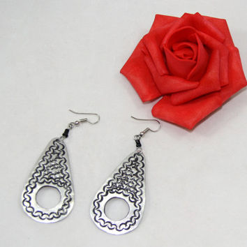 Handmade Aluminum Tribal Etched Silver Oval Dangle Earrings