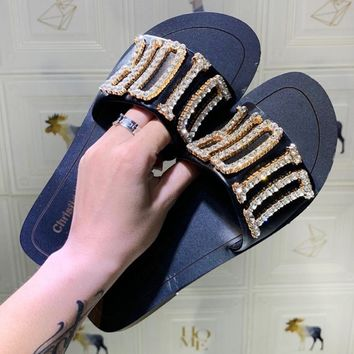 DIOR sells fashionable ladies casual slippers with diamond LOGO