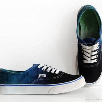 CREYONS Dip dye Vans Authentic, black, deep blue, ombr¨¦ tie dye, skate shoes, upcycled vintage