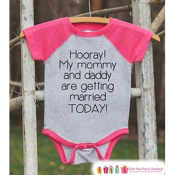 Kids Wedding Outfit - Mommy & Daddy Are Getting Married - Pink Raglan Tee or Onepiece - Kids Wedding Shirt - Girls Proposal Tee - Toddler