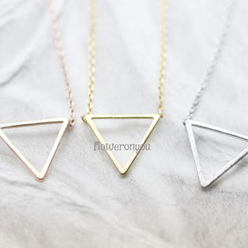 Geometric Open Trianlge Necklace, minimalist necklace jewelry, Trianlge Necklace