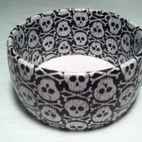 Halloween Bracelet with skull and crossbones
