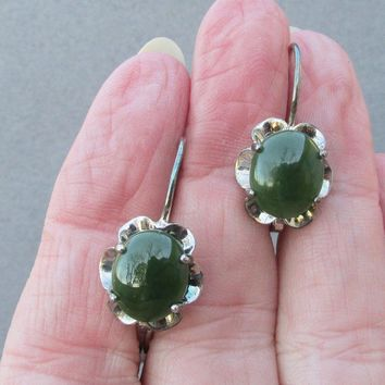 MIB!  Vintage Sterling Silver & Spinach Jade Lever Back Earrings