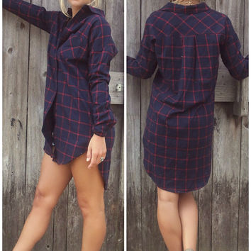 Mountain View Navy & Red Grid Pattern Lightweight Flannel Button Down With Front Pocket