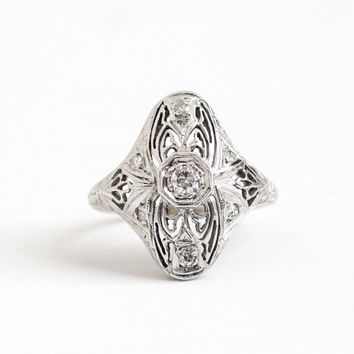 Antique 18K White Gold .22 CTW Filigree Shield Ring - Size 5 1/4 Vintage Art Deco 1930s Open Metal Fine Flower Floral Engraved Jewelry